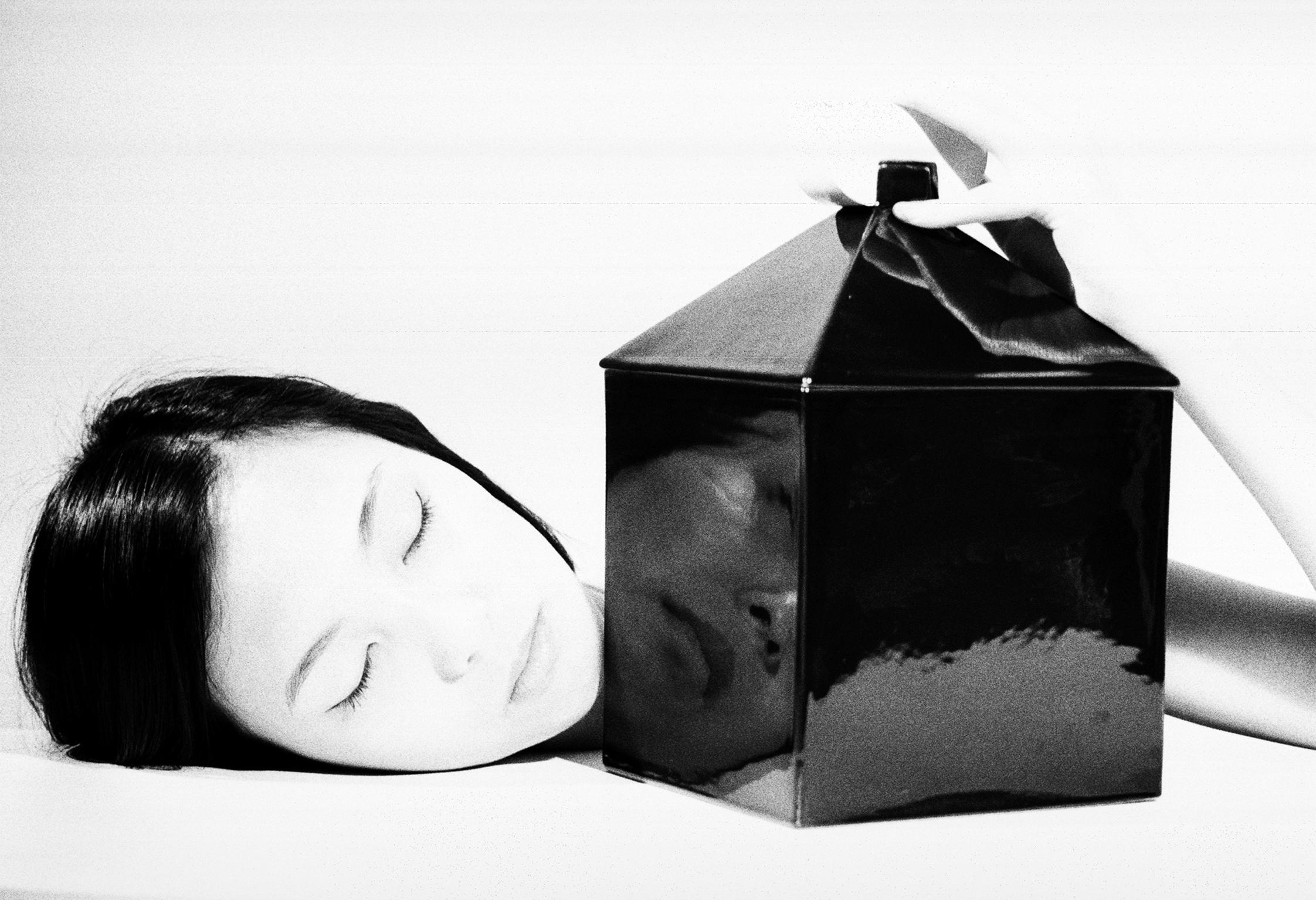 LA CASA NUOVA - Markandré Fotografia Analogica per Demo Ceramics, 2016 Model Barbara Xu